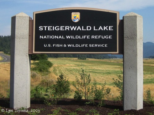 steigerwald_lake_NWR_sign_08-02-09